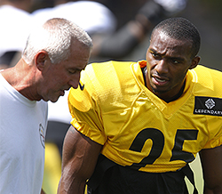 Pittsburgh Steelers cornerback Brandon Boykin (25) talks with special teams coach Danny Smith during practice at NFL football training camp in Latrobe, Pa., Monday, Aug. 3, 2015. Boykin was acquired from the Philadelphia Eagles over the weekend.(AP Photo/Keith Srakocic)
