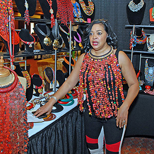 Hair Show host and radio personality Lady B doing her own shopping for products! (Photo: Bill Z. Foster)